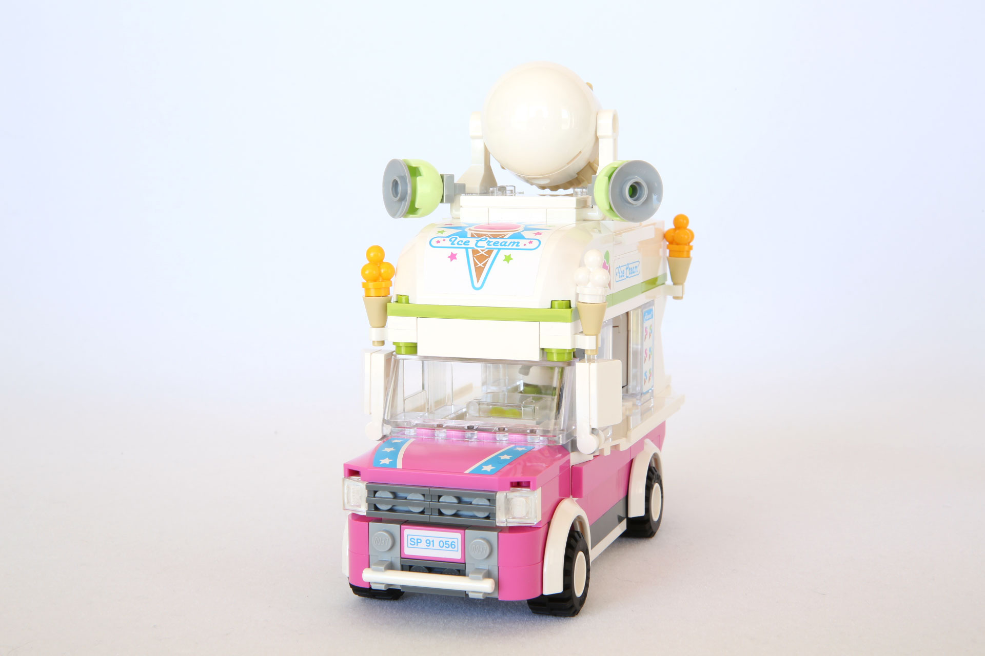 The LEGO Movie Review: 70804 Ice Cream Machine | From Bricks To ...