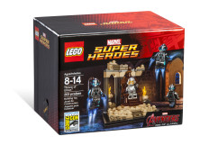 LEGO_SDCC_2015_Ultron_Front