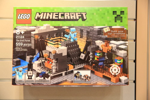 Lego-21124-minecraft-the-end-portal