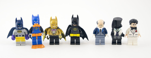 70909-batcave-break-in-minifigures