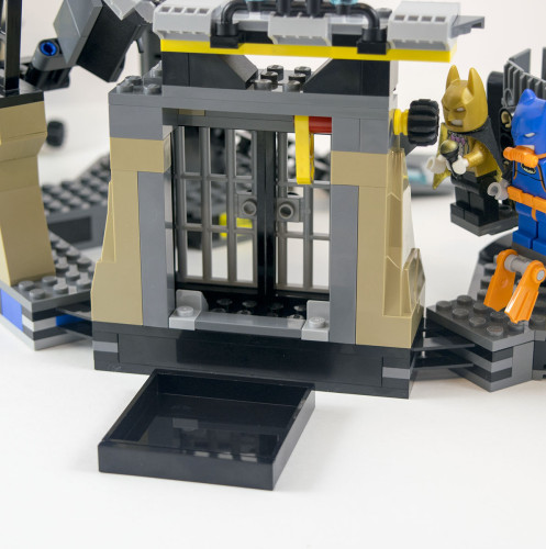 70909-batcave-prison-back