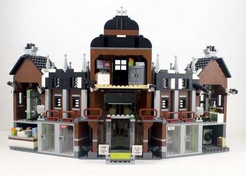 70912-arkham-asylum-inside