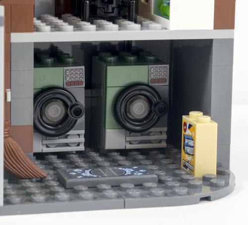 70912-arkham-asylum-laundry