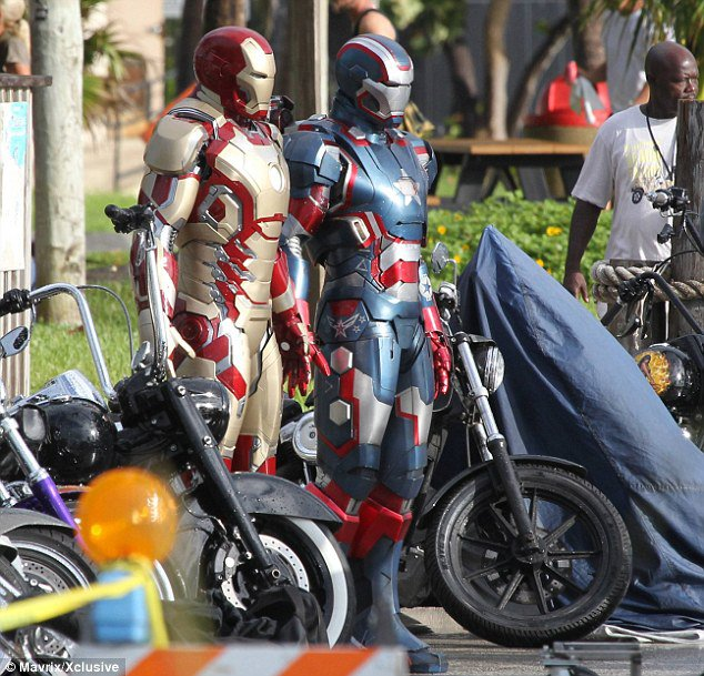 tony-stark-s-mark-xlvii-suit-spotted-on-iron-man-3-set-in-miami.jpg