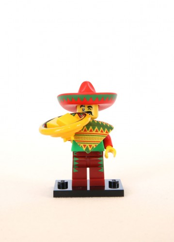 The LEGO Movie Minifigures - Taco Tuesday Guy 1