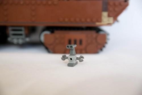75059 Sandcrawler - Unknown Droid