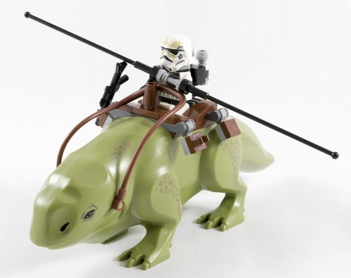 75052 - Sandtrooper on a Dewback