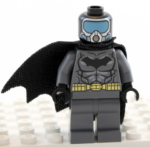 76027 - Aqua-Batman Cowl Off