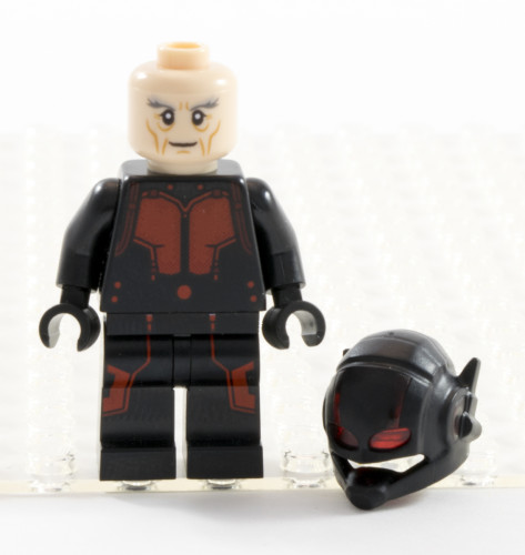76039 Hank Pym Helmet Off