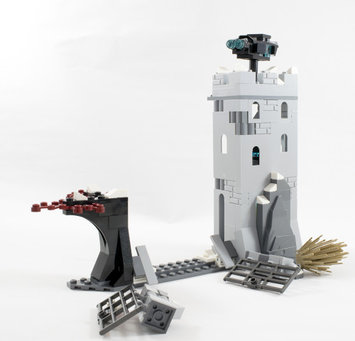 76041 Fortress Smashed