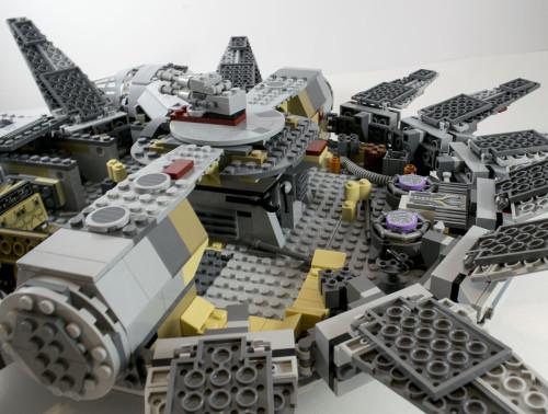 75105 Millennium Falcon Interior Rear