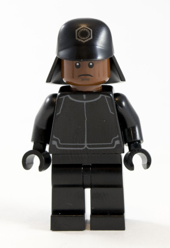 75132 First Order Officer