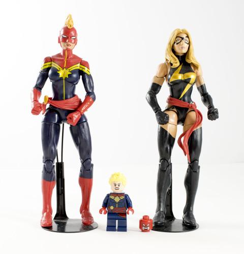 76049 Captain Marvel Figures