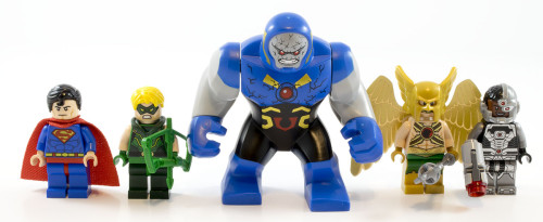 76028 Darkseid Invasion Minifigs
