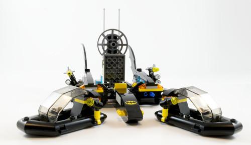 76034 The Batboat Apart