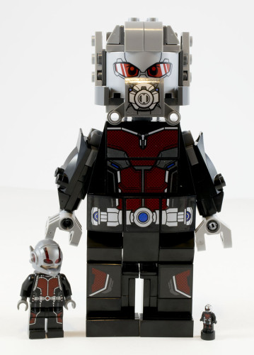 76051 Giant-Ant-Man Comparison