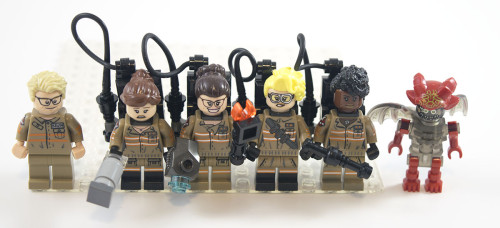 75828-ecto-1-and-2-minifigures