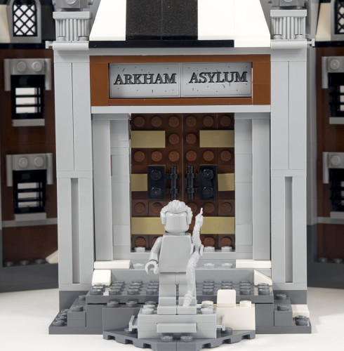 70912-arkham-asylum-front-door