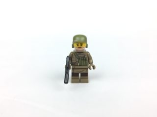 Resistance Trooper minifig front